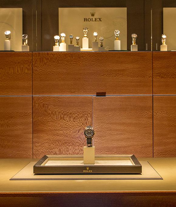 CARDINALL AVENUE - Kirk Freeport Rolex showroom